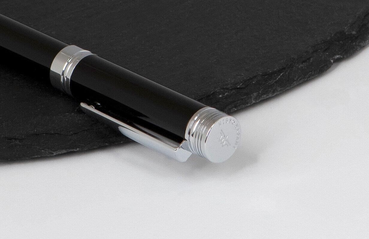 قلم أسود فضي بسن متوسط - نيتو ماراني