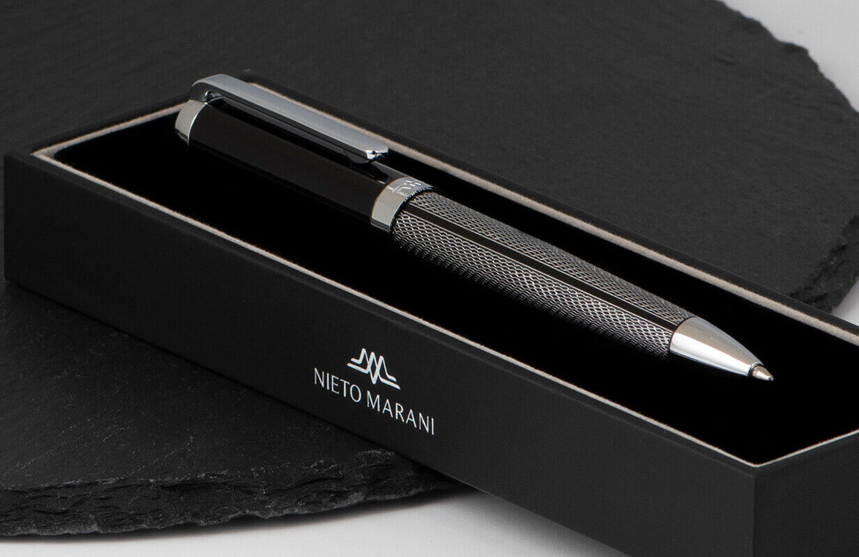 قلم أسود منقوش بالفضي - نيتو ماراني