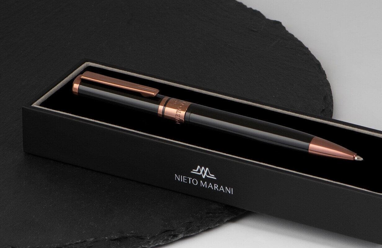 قلم أسود برأس نحاسي - نيتو ماراني