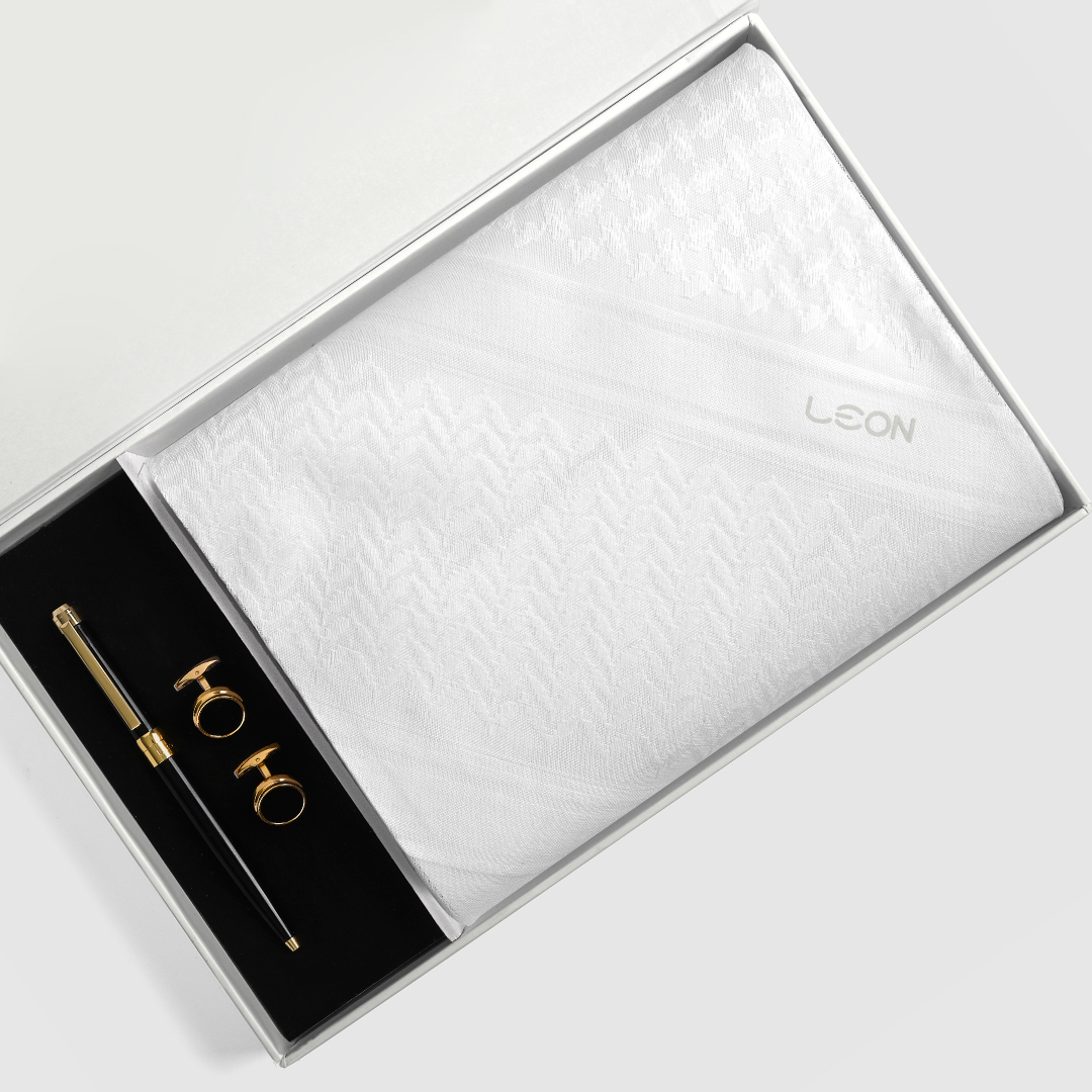 بوكس طقم ليون موديل 2020 كلاسيك أبيض، عطر كالفن كلاين سي كي ان تو يو - أو دو تواليت (رجالي) 100 مل
