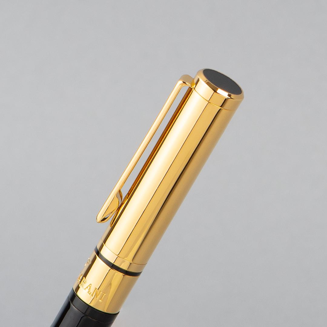 بوكس شماغ إيفنتو أحمرمميز، عطر ازارو وانتد - أو دو تواليت (رجالي) 100مل،قلم نيتو ماراني أسود ذهبي بملمس ناعم