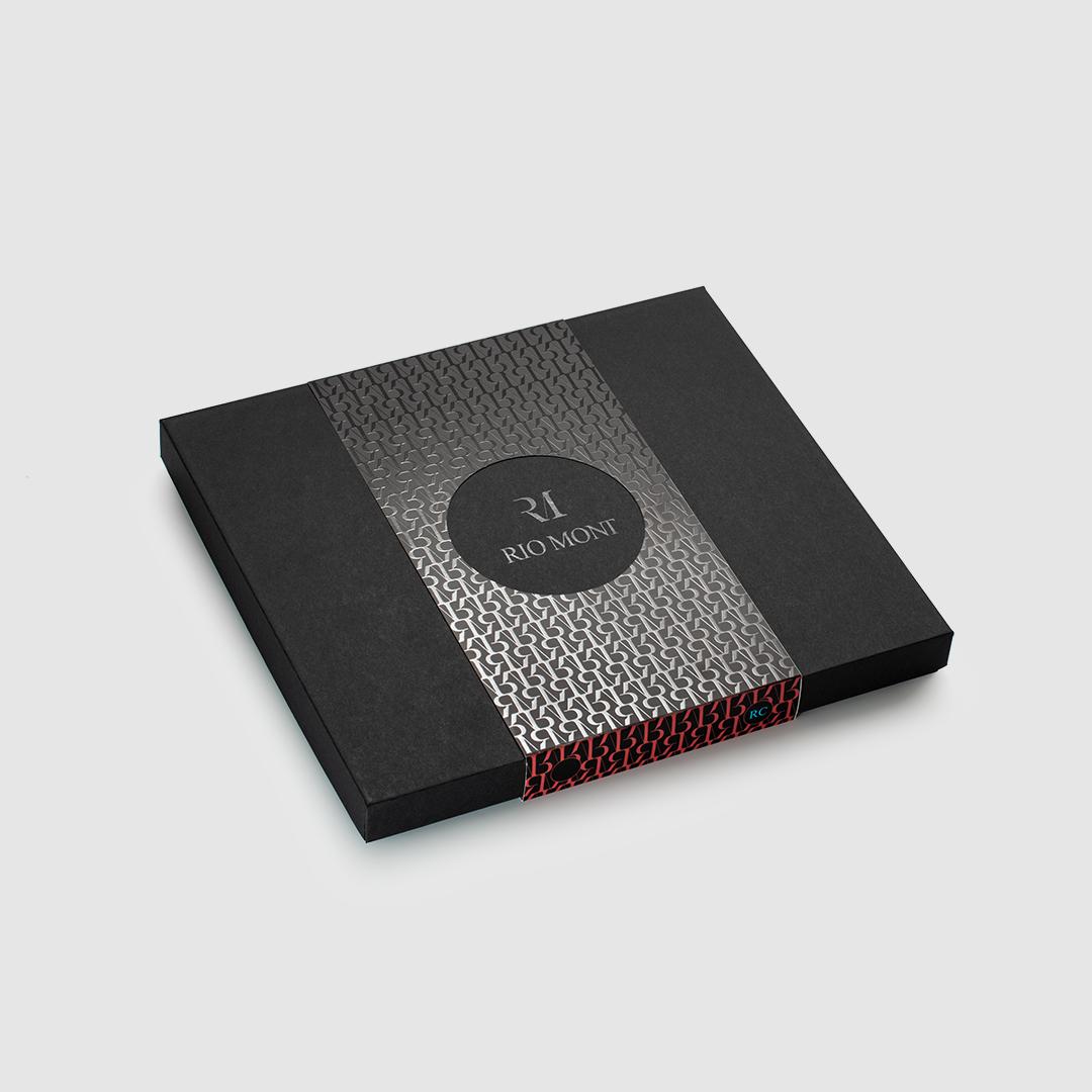 شماغ ريو مون كلاسك احمر مع محفظة كاربون فايبر بحزام أسود/أحمر