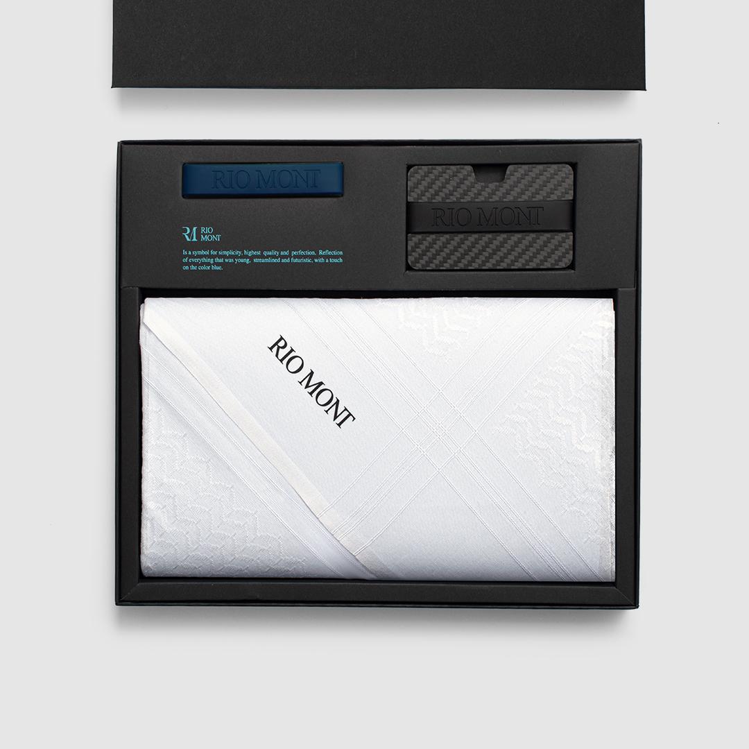 شماغ ريو مون كلاسك أبيض مع محفظة كاربون فايبر بحزام أسود/ أزرق