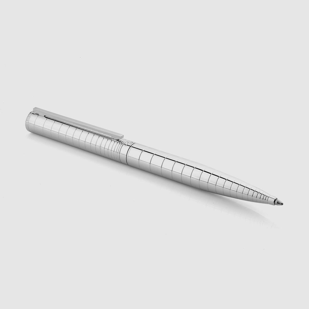 طقم شماغ فيروكروز أبيض مع قلم فضي