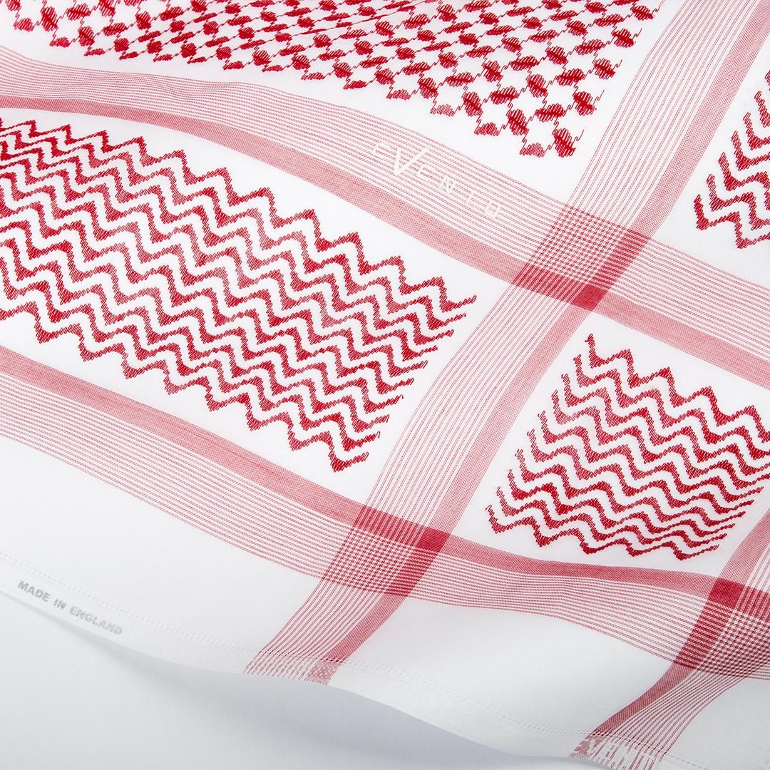 شماغ إيفنتو أحمر بخطوط ناعمة