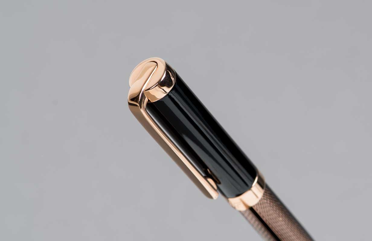 قلم ذهبي  روز اسود  منقوش - نيتو ماراني