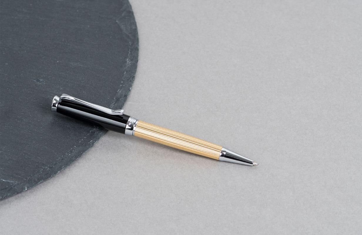 قلم ذهبي اسود بقطع فضية - نيتو ماراني