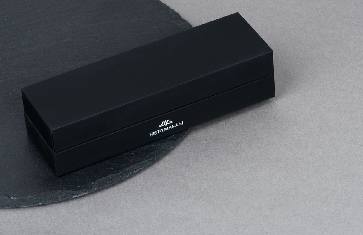 Black Set with engraved Brand Logo - NIETO MARANI