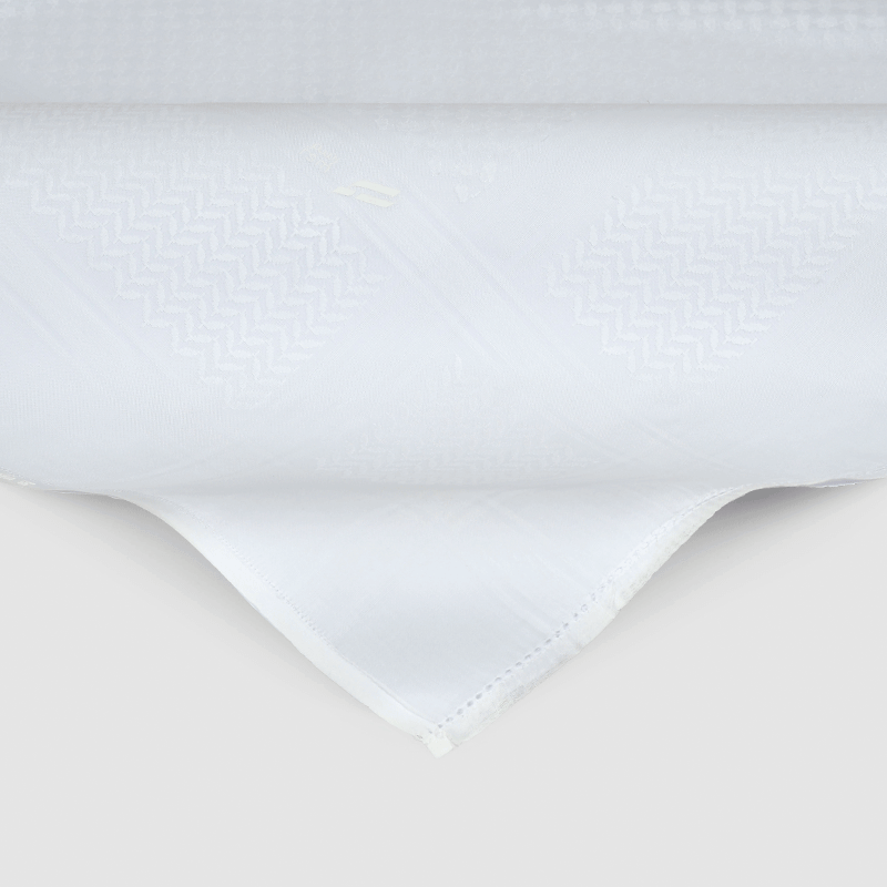 شماغ رسم أبيض