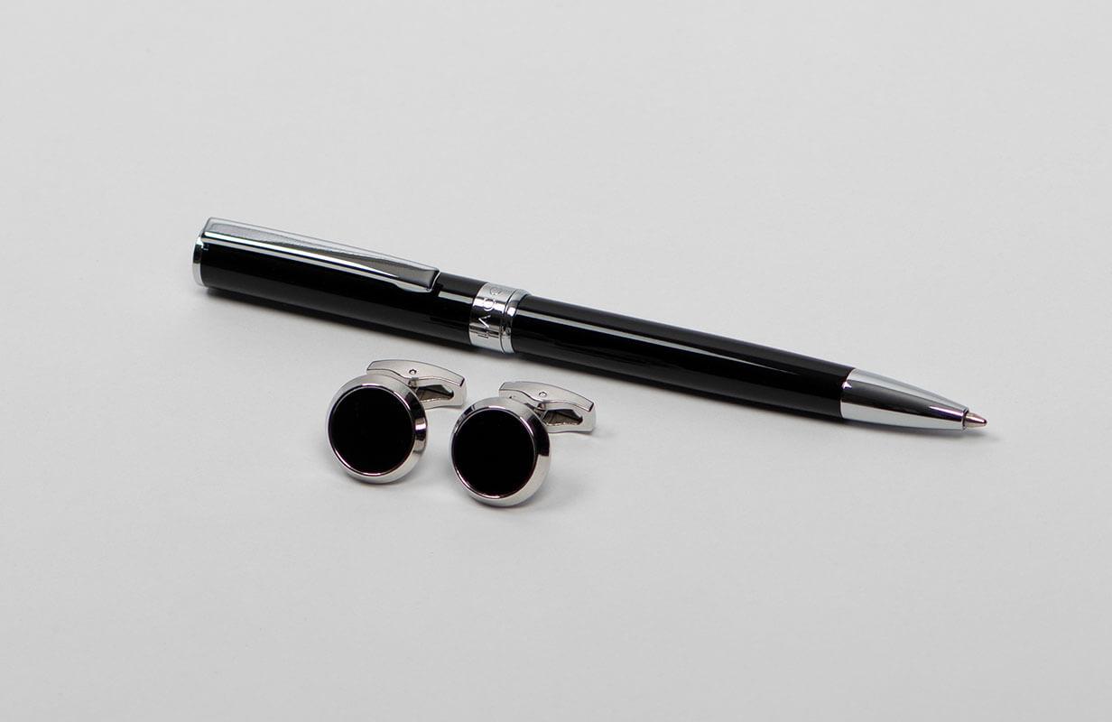 شماغ لاكوفا ابيض طقم قلم كبك ان وايت