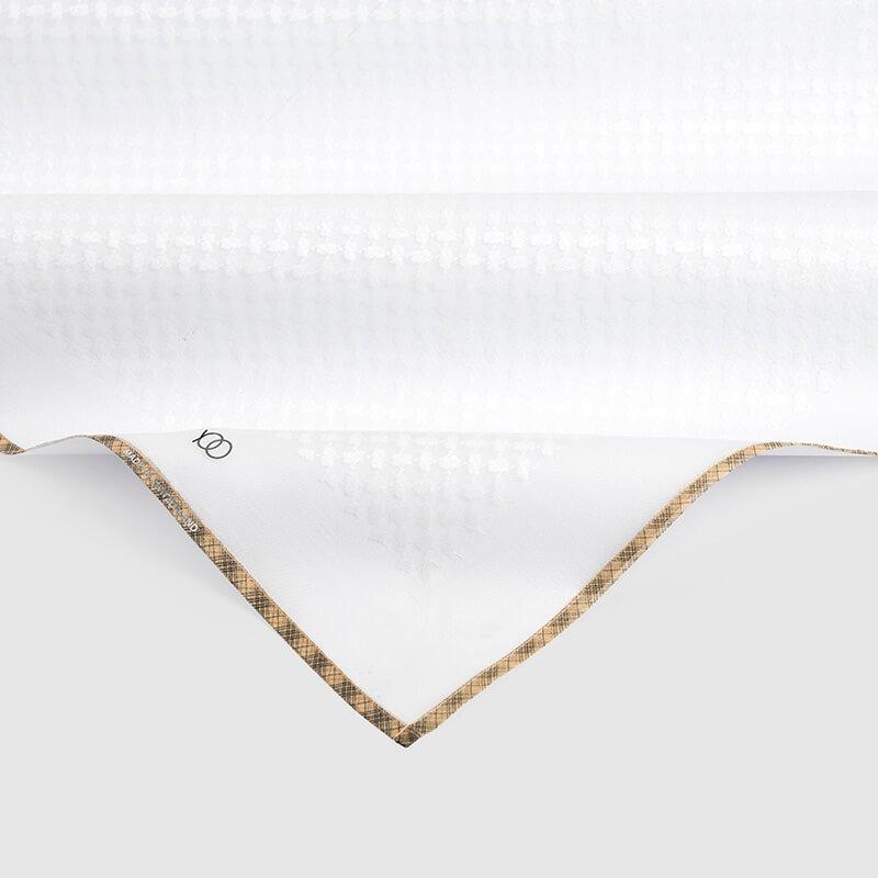 شماغ يوو أبيض بأطراف بني فاتح وخطوط سوداء (مكس تون)