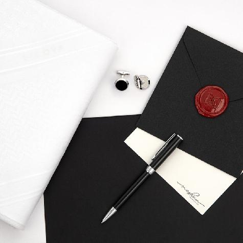 White LACOVA Shemagh & In White cufflink Pen Set